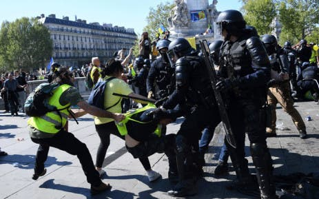 img YELLOW VESTS, France