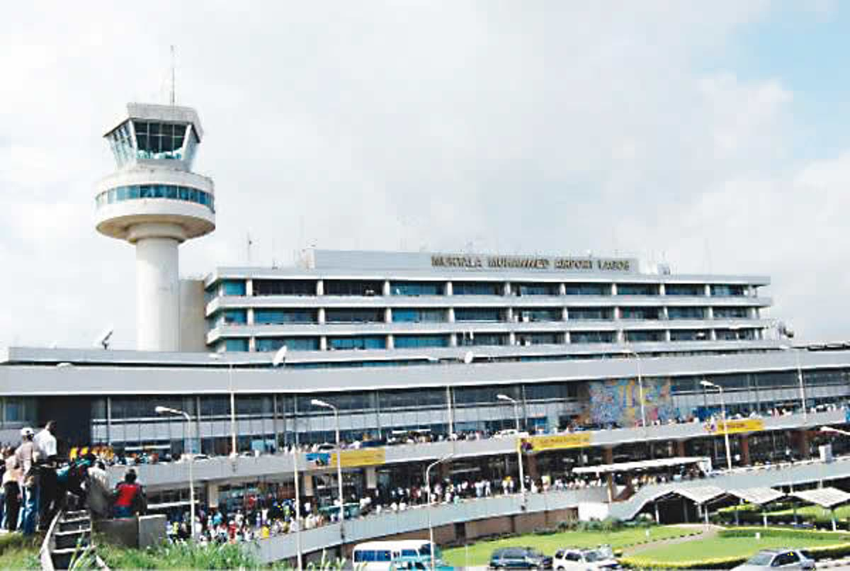 Lagos airport taxi driver returns $2,400 to passenger
