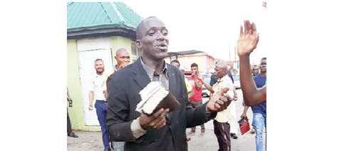 Preacher beaten for stealing phones in Ibadan